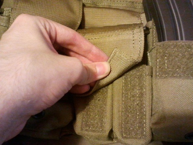 LBT 1961A Pistol mag pouch closed
