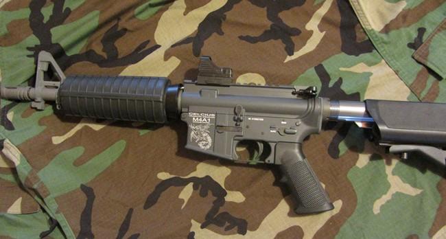 Element MRDS montado M4A1