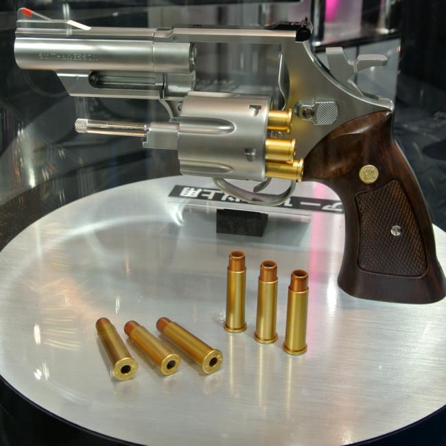 Tokyo Marui shell revolver
