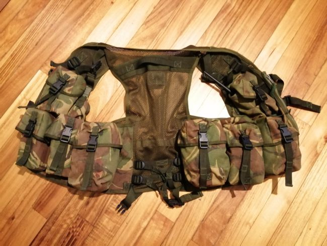 Chaleco Assault Vest desplegado